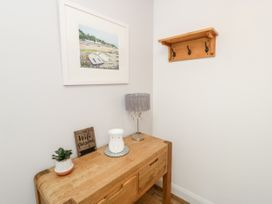 Benllech Bay Apartment 2 - Anglesey - 1045483 - thumbnail photo 16