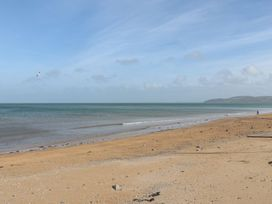 Benllech Bay Apartment 2 - Anglesey - 1045483 - thumbnail photo 26
