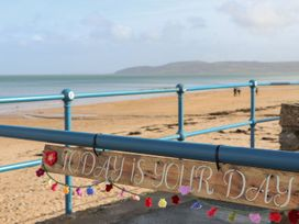 Benllech Bay Apartment 2 - Anglesey - 1045483 - thumbnail photo 27