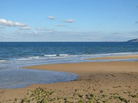 Benllech Bay Apartment 2 - Anglesey - 1045483 - thumbnail photo 29