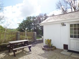 Old Railway Inn Cottage - South Wales - 1045486 - thumbnail photo 13