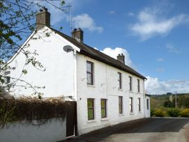 Old Railway Inn Cottage - South Wales - 1045486 - thumbnail photo 2