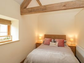 The Dove Barn - Cotswolds - 1045846 - thumbnail photo 18