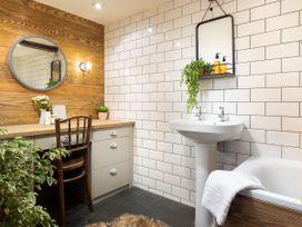 Craftsman Cottage - Lake District - 1045999 - thumbnail photo 13