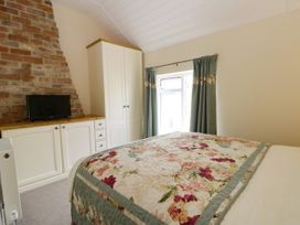 Beech Cottage - North Yorkshire (incl. Whitby) - 1046015 - thumbnail photo 14