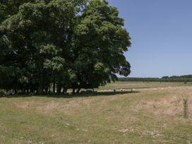 Pond - Somerset & Wiltshire - 1046237 - thumbnail photo 25