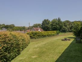 Elm - Somerset & Wiltshire - 1046238 - thumbnail photo 22
