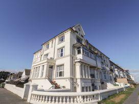 Littlestone Beach Apartment - Kent & Sussex - 1046297 - thumbnail photo 1