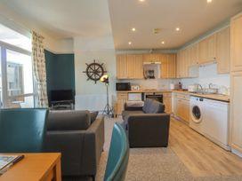 Littlestone Beach Apartment - Kent & Sussex - 1046297 - thumbnail photo 8