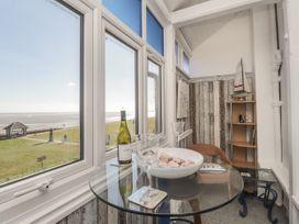 Littlestone Beach Apartment - Kent & Sussex - 1046297 - thumbnail photo 10
