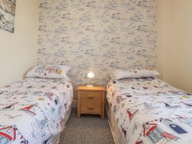 Littlestone Beach Apartment - Kent & Sussex - 1046297 - thumbnail photo 15