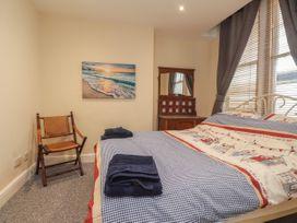Littlestone Beach Apartment - Kent & Sussex - 1046297 - thumbnail photo 17