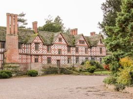 7 bedroom Cottage for rent in Shrewsbury