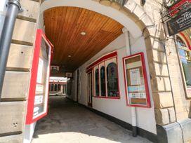 George Centre Apartment 4 - Peak District - 1047257 - thumbnail photo 14