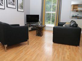 George Centre Apartment 4 - Peak District - 1047257 - thumbnail photo 3