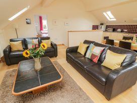 Cholwell Barn Apartment - Devon - 1048109 - thumbnail photo 5