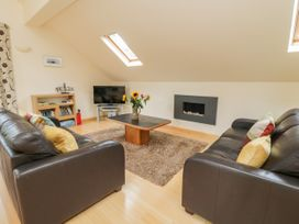 Cholwell Barn Apartment - Devon - 1048109 - thumbnail photo 4