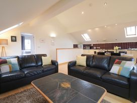 Cholwell Barn Apartment - Devon - 1048109 - thumbnail photo 6