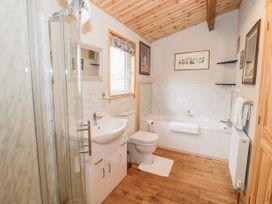 Brookside Lodge - Cotswolds - 1048507 - thumbnail photo 19