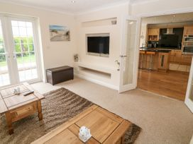 Meadow View - Anglesey - 1048544 - thumbnail photo 4