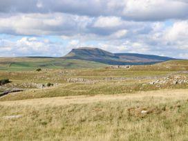 Low Bank - Yorkshire Dales - 1048601 - thumbnail photo 7