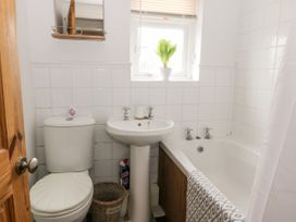 Thames Cottage - Whitby & North Yorkshire - 1048857 - thumbnail photo 12