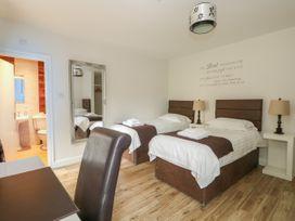 The Five Bells Inn - Norfolk - 1049236 - thumbnail photo 33