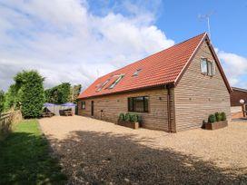 Home Barn - Norfolk - 1049238 - thumbnail photo 1