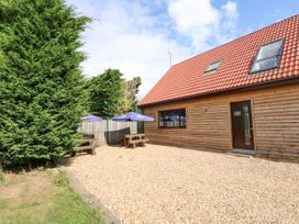 Home Barn - Norfolk - 1049238 - thumbnail photo 17