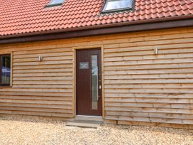 Home Barn - Norfolk - 1049238 - thumbnail photo 19