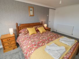 Coach House Cottage - Whitby & North Yorkshire - 1049262 - thumbnail photo 13