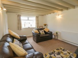 Coach House Cottage - Whitby & North Yorkshire - 1049262 - thumbnail photo 4