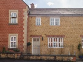 Number 18 Castle Rise - Somerset & Wiltshire - 1049281 - thumbnail photo 2