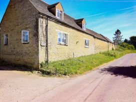 Washpool - Cotswolds - 1049464 - thumbnail photo 1