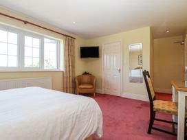 The Lodge - Somerset & Wiltshire - 1049511 - thumbnail photo 31