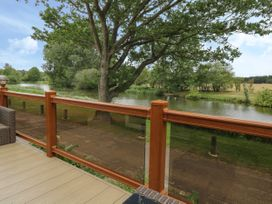 1 Lakeview - Norfolk - 1049568 - thumbnail photo 12