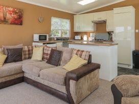 Jonstone Pines - Whitby & North Yorkshire - 1049947 - thumbnail photo 4