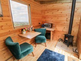 Shepherd's Hut - Whitby & North Yorkshire - 1050044 - thumbnail photo 4