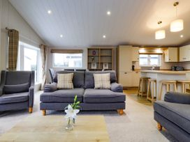 Lodge BR55 at Pevensey Bay - Kent & Sussex - 1050157 - thumbnail photo 5
