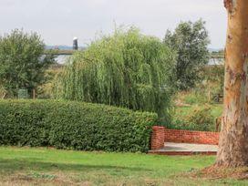 Waveney View Cottage - Norfolk - 1050411 - thumbnail photo 18