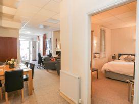 Palace Apartment Main Street - Lake District - 1050461 - thumbnail photo 12