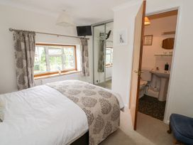 The Malins - Cotswolds - 1050599 - thumbnail photo 18
