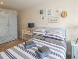 Apartment 28 - North Wales - 1050883 - thumbnail photo 12