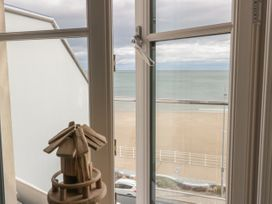 Apartment 28 - North Wales - 1050883 - thumbnail photo 13