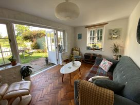 Orchard Cottage - Somerset & Wiltshire - 1051021 - thumbnail photo 16