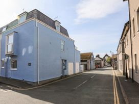 Castle Mews - Anglesey - 1051035 - thumbnail photo 13