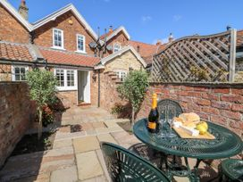 5 Pond View Cottages - Whitby & North Yorkshire - 1051177 - thumbnail photo 19