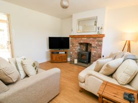 5 Pond View Cottages - Whitby & North Yorkshire - 1051177 - thumbnail photo 4