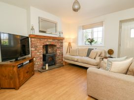 5 Pond View Cottages - Whitby & North Yorkshire - 1051177 - thumbnail photo 5