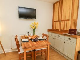 5 Pond View Cottages - Whitby & North Yorkshire - 1051177 - thumbnail photo 9